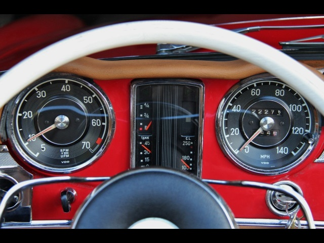 1966 Mercedes-Benz 230SL 230SL Pagoda - Photo 25 - North Miami, FL 33181