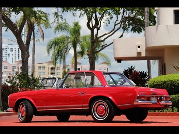 1966 Mercedes-Benz 230SL 230SL Pagoda - Photo 3 - North Miami, FL 33181