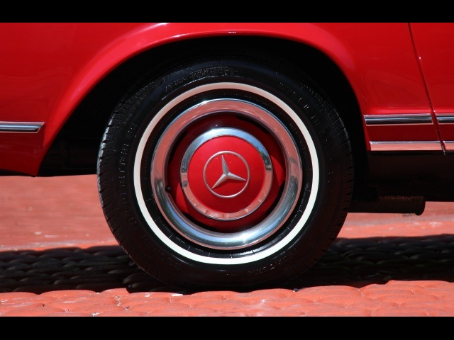 1966 Mercedes-Benz 230SL 230SL Pagoda - Photo 37 - North Miami, FL 33181
