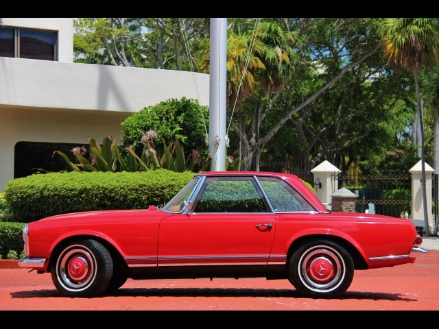 1966 Mercedes-Benz 230SL 230SL Pagoda - Photo 6 - North Miami, FL 33181