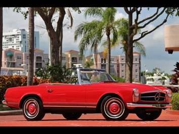 1966 Mercedes-Benz 230SL 230SL Pagoda - Photo 1 - North Miami, FL 33181