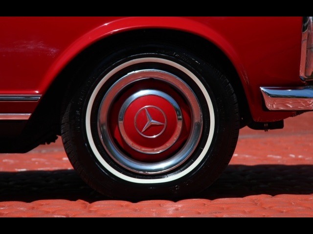 1966 Mercedes-Benz 230SL 230SL Pagoda - Photo 38 - North Miami, FL 33181