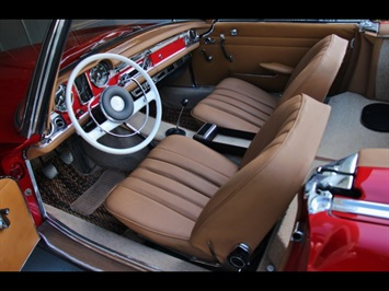 1966 Mercedes-Benz 230SL 230SL Pagoda - Photo 15 - North Miami, FL 33181