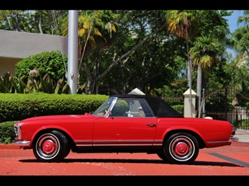 1966 Mercedes-Benz 230SL 230SL Pagoda - Photo 8 - North Miami, FL 33181