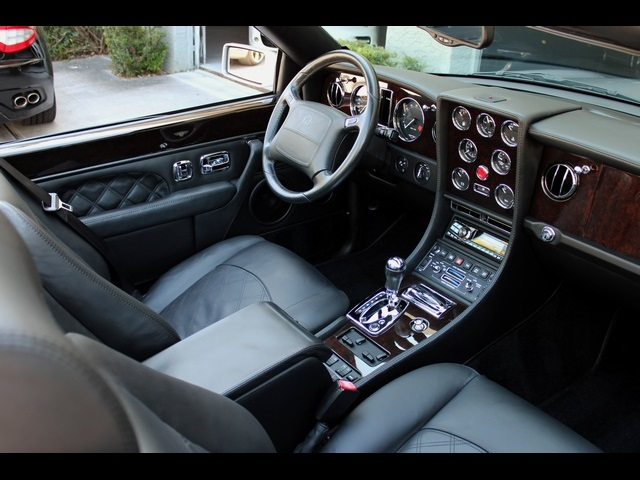 2003 Bentley Azure Final Series - Photo 2 - North Miami, FL 33181
