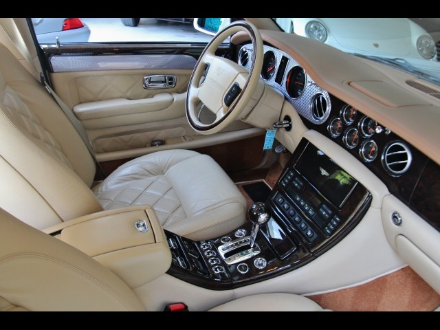 2004 Bentley Arnage T - Photo 2 - North Miami, FL 33181