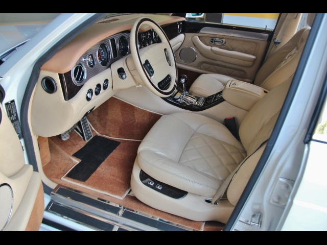 2004 Bentley Arnage T - Photo 14 - North Miami, FL 33181