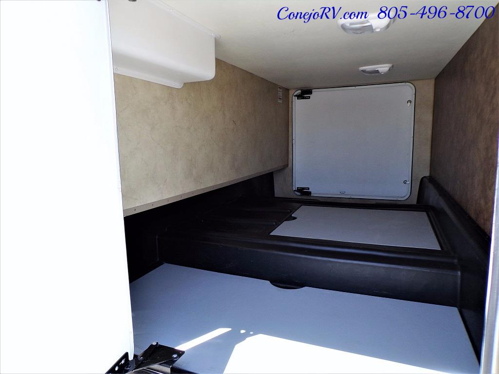 2012 Thor Hurricane 31J Full Body Paint Loft Bed 13k Miles - Photo 35 - Thousand Oaks, CA 91360