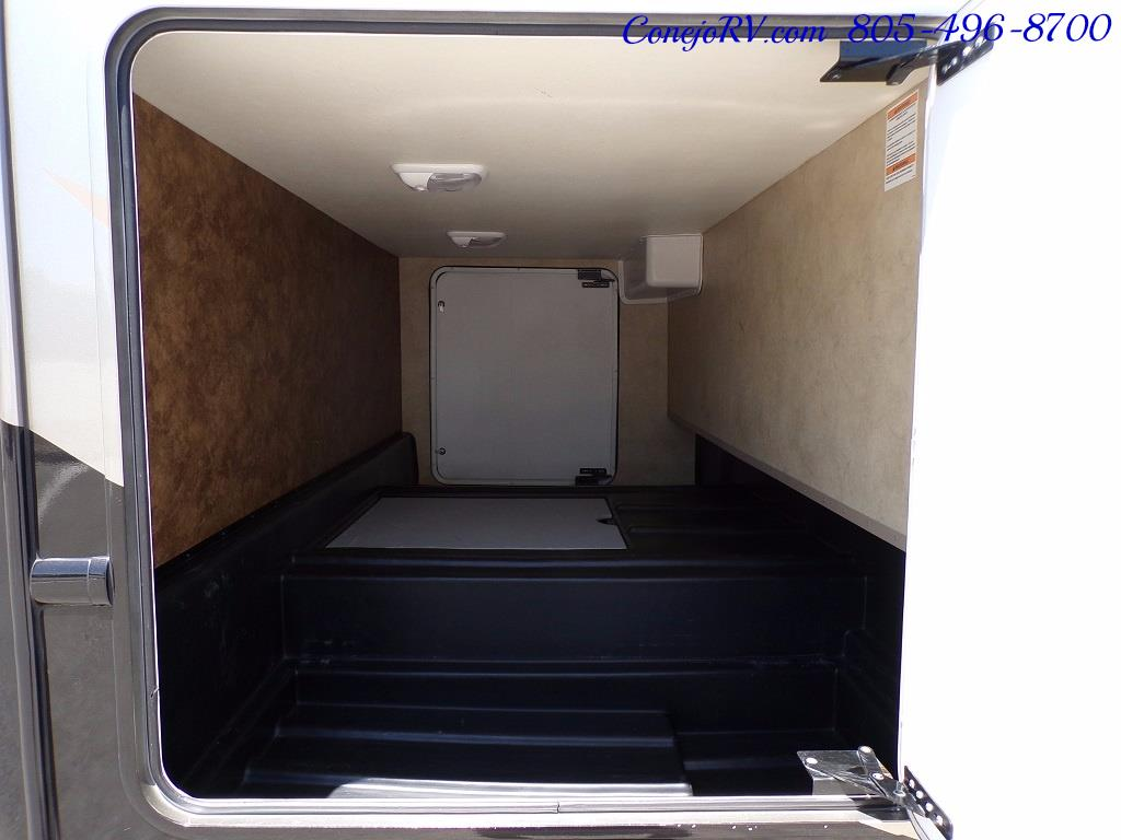 2012 Thor Hurricane 31J Full Body Paint Loft Bed 13k Miles - Photo 27 - Thousand Oaks, CA 91360