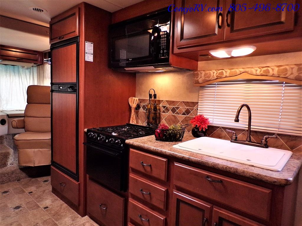 2012 Thor Hurricane 31J Full Body Paint Loft Bed 13k Miles - Photo 14 - Thousand Oaks, CA 91360
