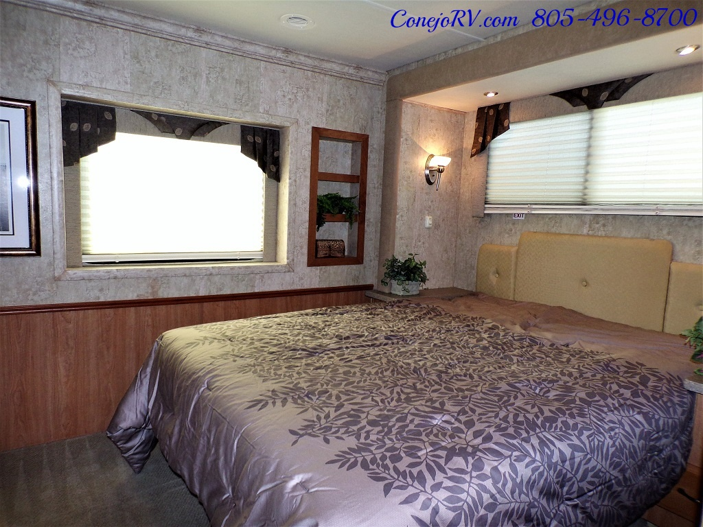 2007 National Dolphin LX 6367 Triple Slides - Photo 19 - Thousand Oaks, CA 91360