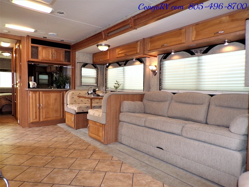 2007 National Dolphin LX 6367 Triple Slides - Photo 6 - Thousand Oaks, CA 91360