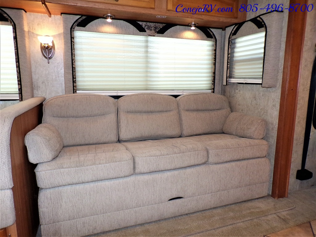 2007 National Dolphin LX 6367 Triple Slides - Photo 9 - Thousand Oaks, CA 91360