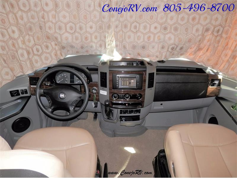 2010 Itasca Reyo 25R Full Wall Slide Full Body Paint Diesel - Photo 22 - Thousand Oaks, CA 91360