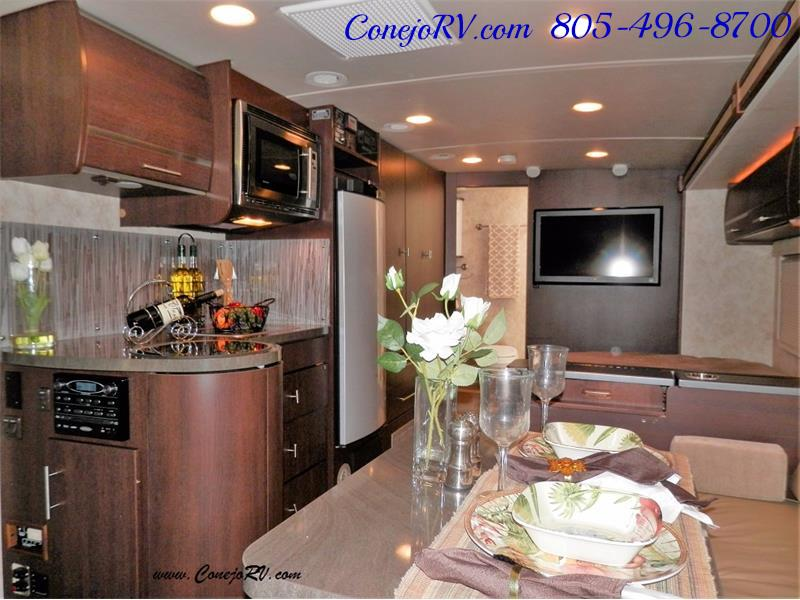 2010 Itasca Reyo 25R Full Wall Slide Full Body Paint Diesel - Photo 7 - Thousand Oaks, CA 91360