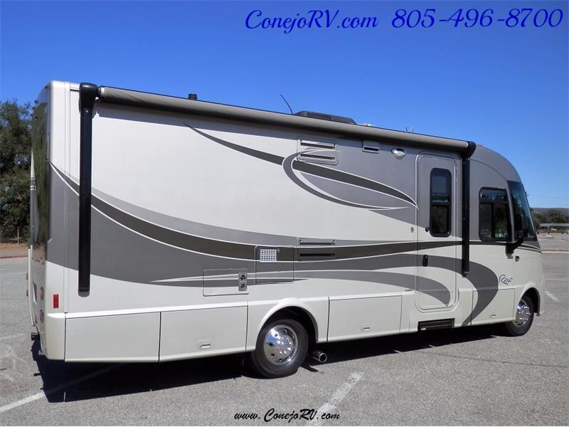 2010 Itasca Reyo 25R Full Wall Slide Full Body Paint Diesel - Photo 4 - Thousand Oaks, CA 91360