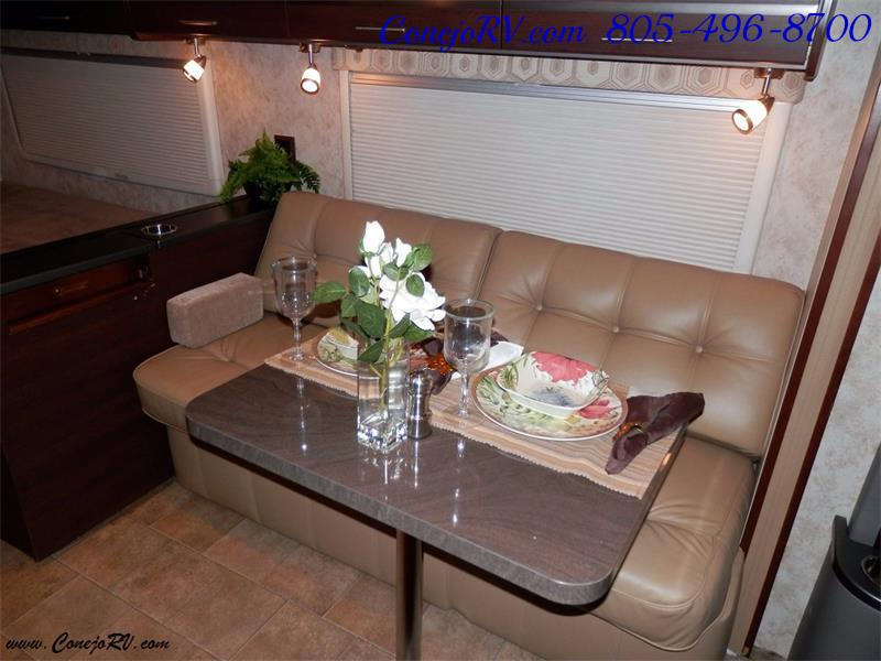 2010 Itasca Reyo 25R Full Wall Slide Full Body Paint Diesel - Photo 8 - Thousand Oaks, CA 91360