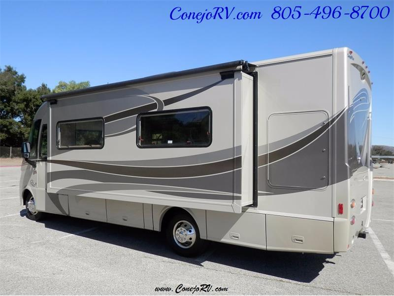 2010 Itasca Reyo 25R Full Wall Slide Full Body Paint Diesel - Photo 2 - Thousand Oaks, CA 91360