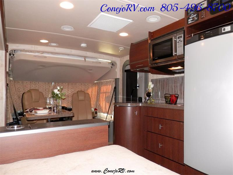 2010 Itasca Reyo 25R Full Wall Slide Full Body Paint Diesel - Photo 18 - Thousand Oaks, CA 91360