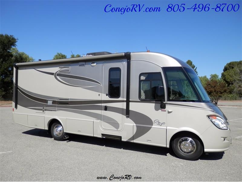 2010 Itasca Reyo 25R Full Wall Slide Full Body Paint Diesel - Photo 3 - Thousand Oaks, CA 91360