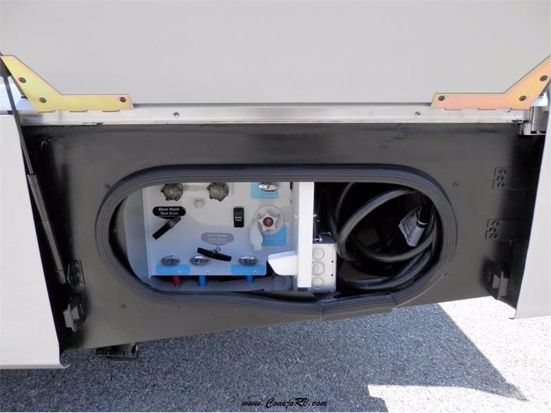 2017 Winnebago Itasca Navion 24G 2-Slides Full Body Paint Diesel - Photo 33 - Thousand Oaks, CA 91360