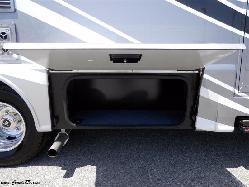 2017 Winnebago Itasca Navion 24G 2-Slides Full Body Paint Diesel - Photo 31 - Thousand Oaks, CA 91360