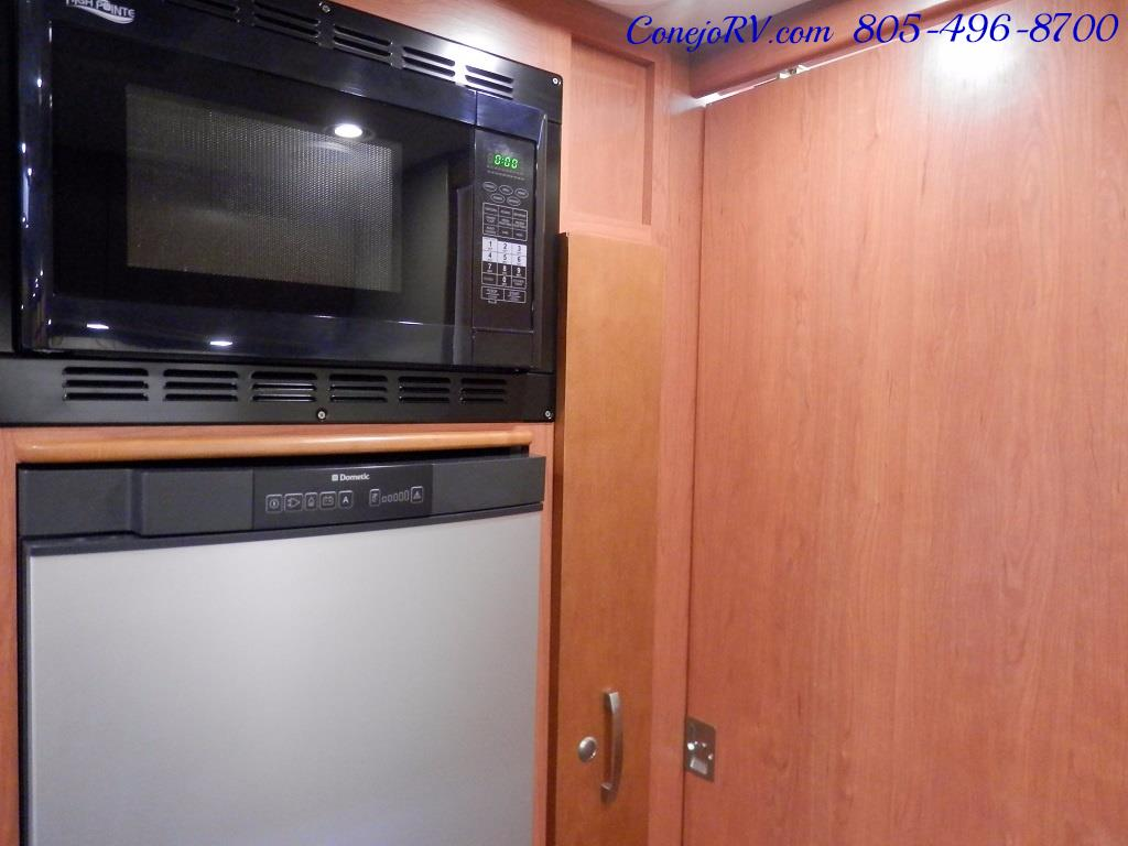 2014 Leisure Travel Unity 24 Murphy Bed Mercedes Diesel - Photo 12 - Thousand Oaks, CA 91360