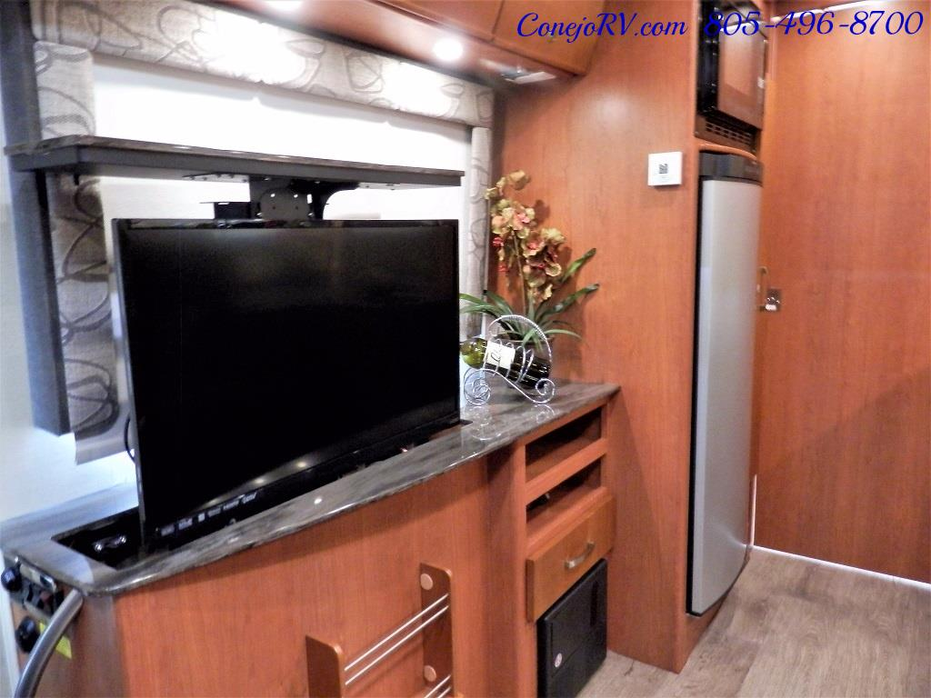2014 Leisure Travel Unity 24 Murphy Bed Mercedes Diesel - Photo 10 - Thousand Oaks, CA 91360