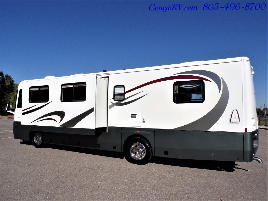 2004 Coachmen Cross Country 354 MBS Single Slide Diesel 34K MLS - Photo 2 - Thousand Oaks, CA 91360