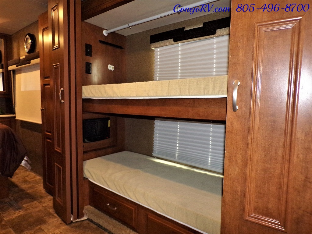 2014 Thor Palazzo 33.3 Double Slide Outs Bunkhouse Diesel - Photo 17 - Thousand Oaks, CA 91360