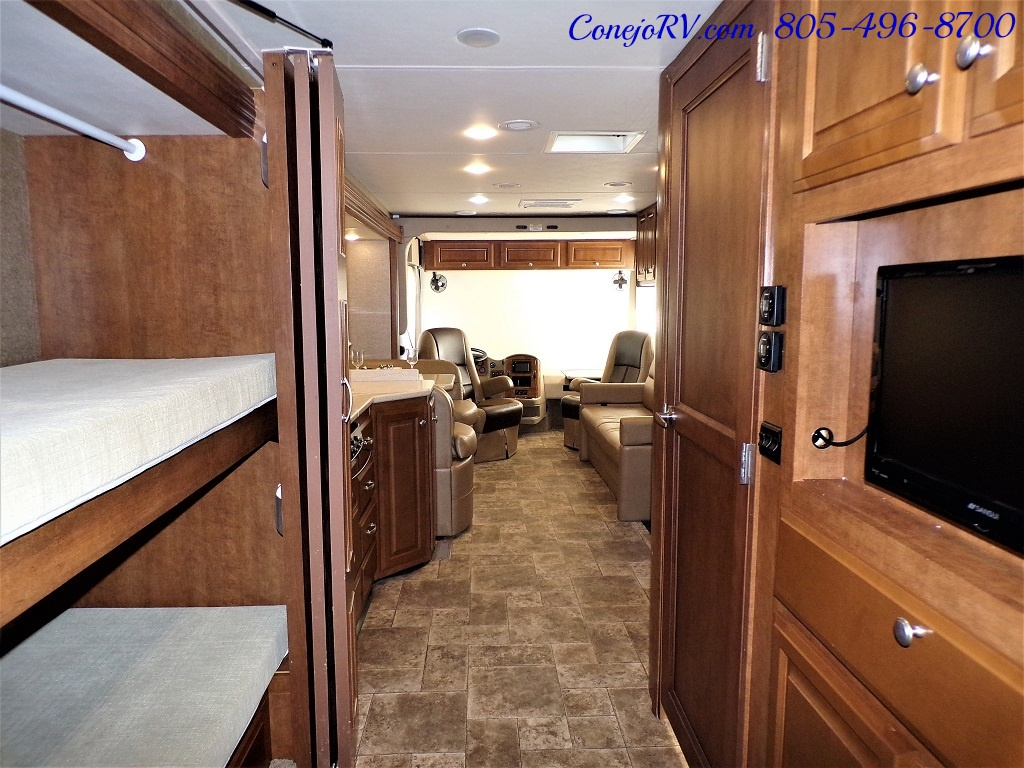 2014 Thor Palazzo 33.3 Double Slide Outs Bunkhouse Diesel - Photo 24 - Thousand Oaks, CA 91360