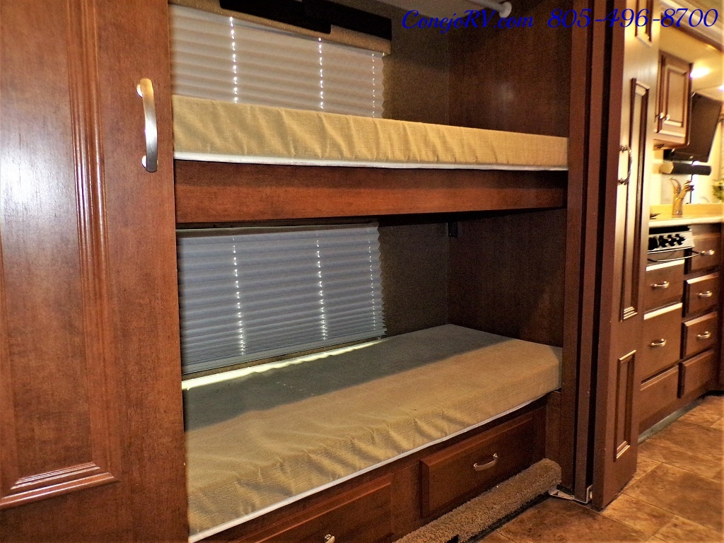 2014 Thor Palazzo 33.3 Double Slide Outs Bunkhouse Diesel - Photo 18 - Thousand Oaks, CA 91360
