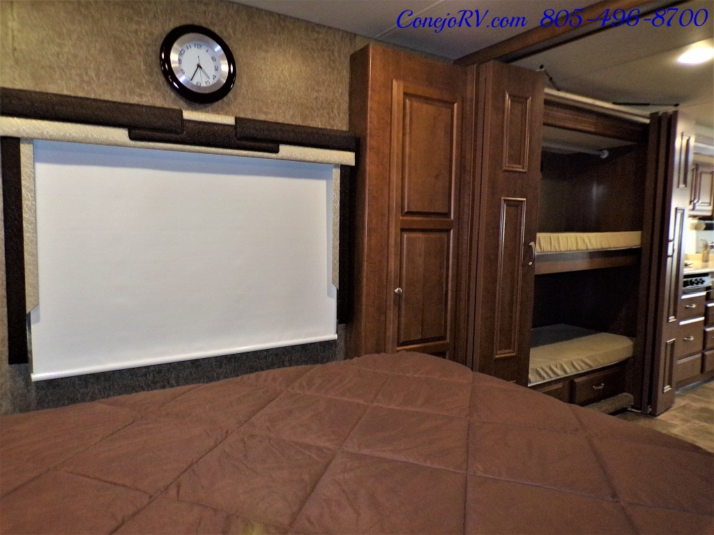 2014 Thor Palazzo 33.3 Double Slide Outs Bunkhouse Diesel - Photo 23 - Thousand Oaks, CA 91360