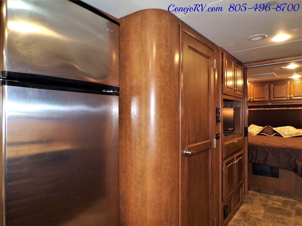 2014 Thor Palazzo 33.3 Double Slide Outs Bunkhouse Diesel - Photo 15 - Thousand Oaks, CA 91360