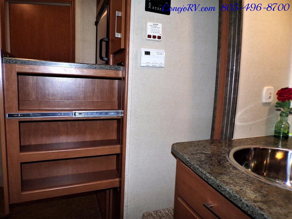 2013 Keystone Vantage 25RBS Travel Trailer - Photo 14 - Thousand Oaks, CA 91360