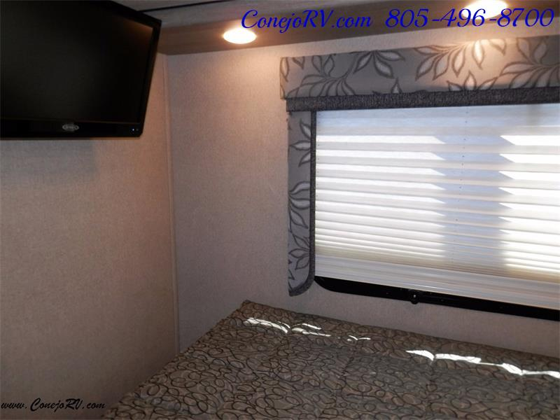 2016 Renegade RV Villagio LE 25RBS Slide-Out Full Body Paint Diesel - Photo 15 - Thousand Oaks, CA 91360