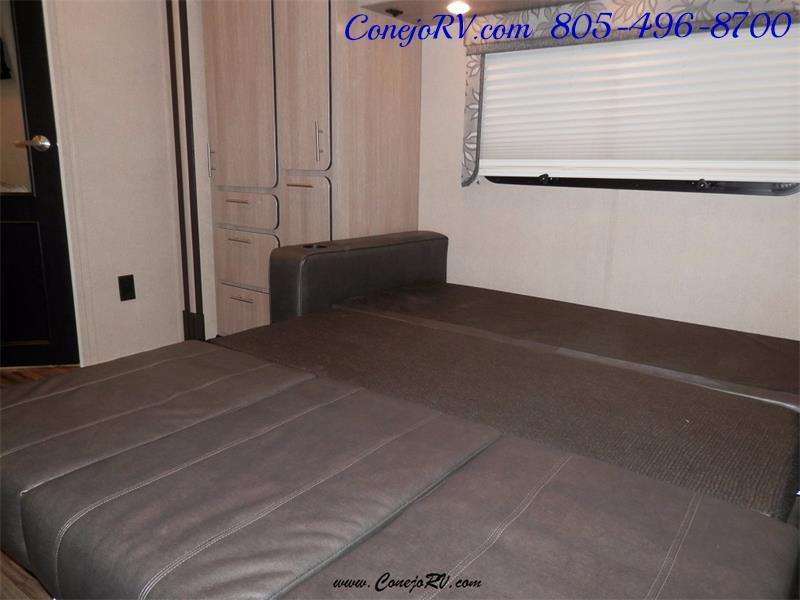 2016 Renegade RV Villagio LE 25RBS Slide-Out Full Body Paint Diesel - Photo 21 - Thousand Oaks, CA 91360