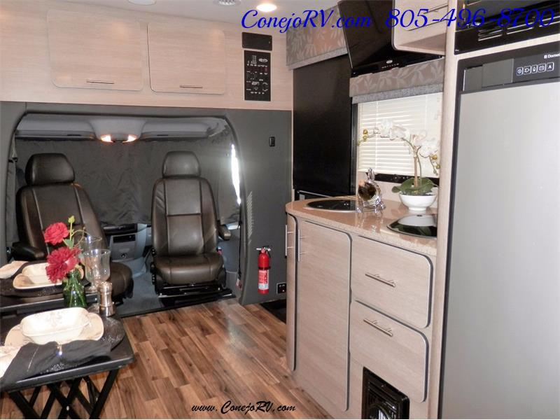 2016 Renegade RV Villagio LE 25RBS Slide-Out Full Body Paint Diesel - Photo 18 - Thousand Oaks, CA 91360