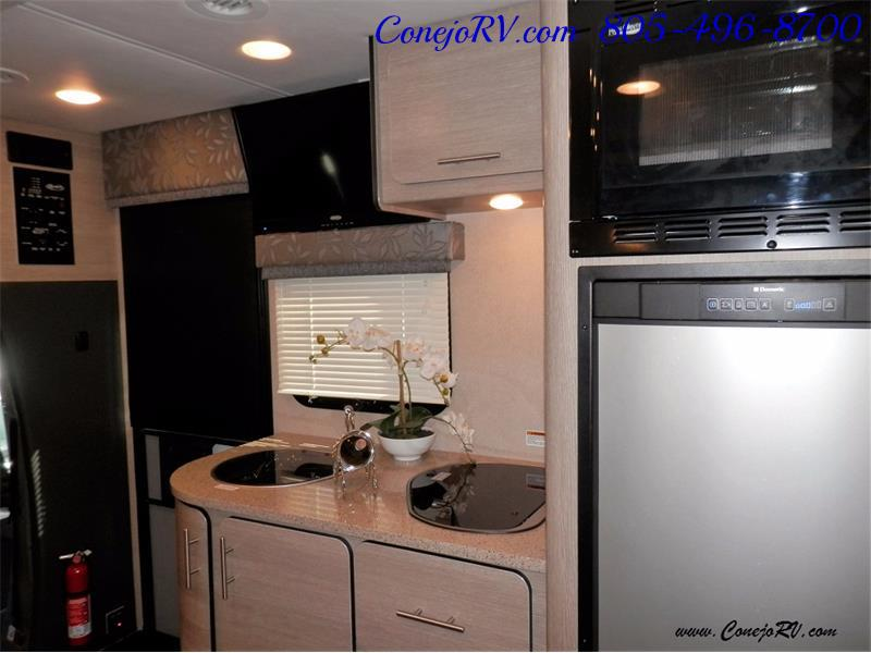 2016 Renegade RV Villagio LE 25RBS Slide-Out Full Body Paint Diesel - Photo 11 - Thousand Oaks, CA 91360