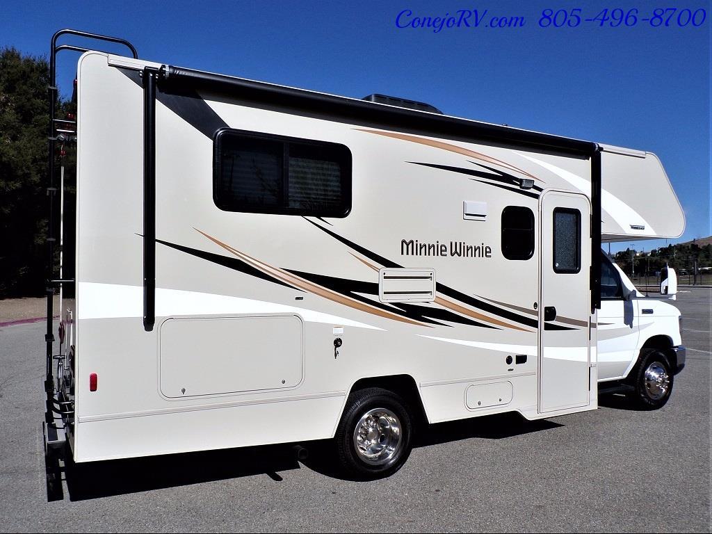 2017 Winnebago Minnie 22R Ford E-450 - Photo 4 - Thousand Oaks, CA 91360
