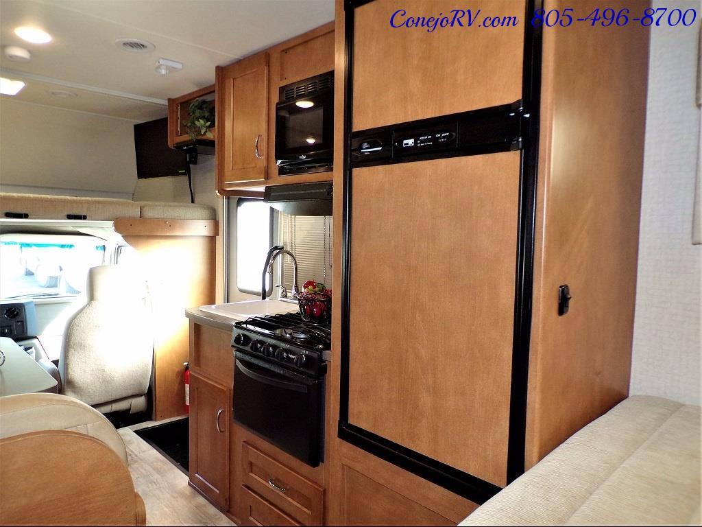 2017 Winnebago Minnie 22R Ford E-450 - Photo 23 - Thousand Oaks, CA 91360
