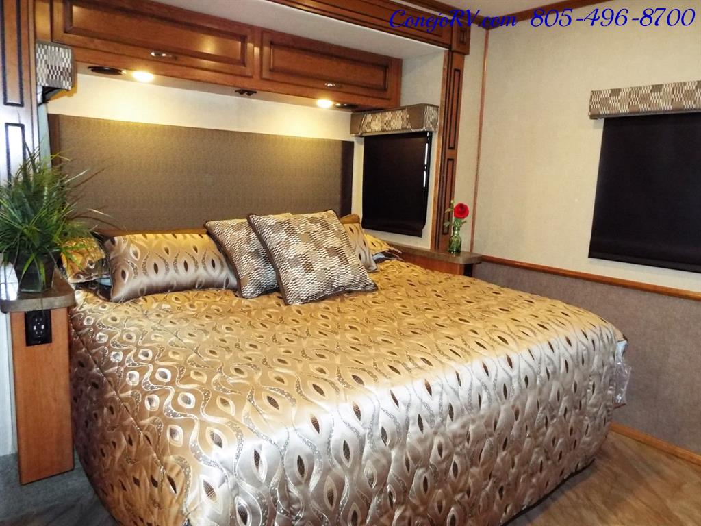 2017 Fleetwood Bounder LX 35P Quad Slide-Out Big Chassis King Bed - Photo 24 - Thousand Oaks, CA 91360