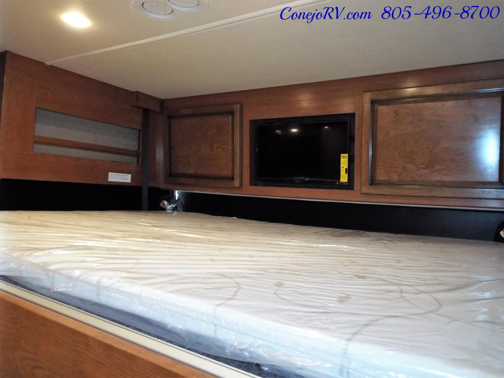 2017 Fleetwood Bounder LX 35P Quad Slide-Out Big Chassis King Bed - Photo 34 - Thousand Oaks, CA 91360