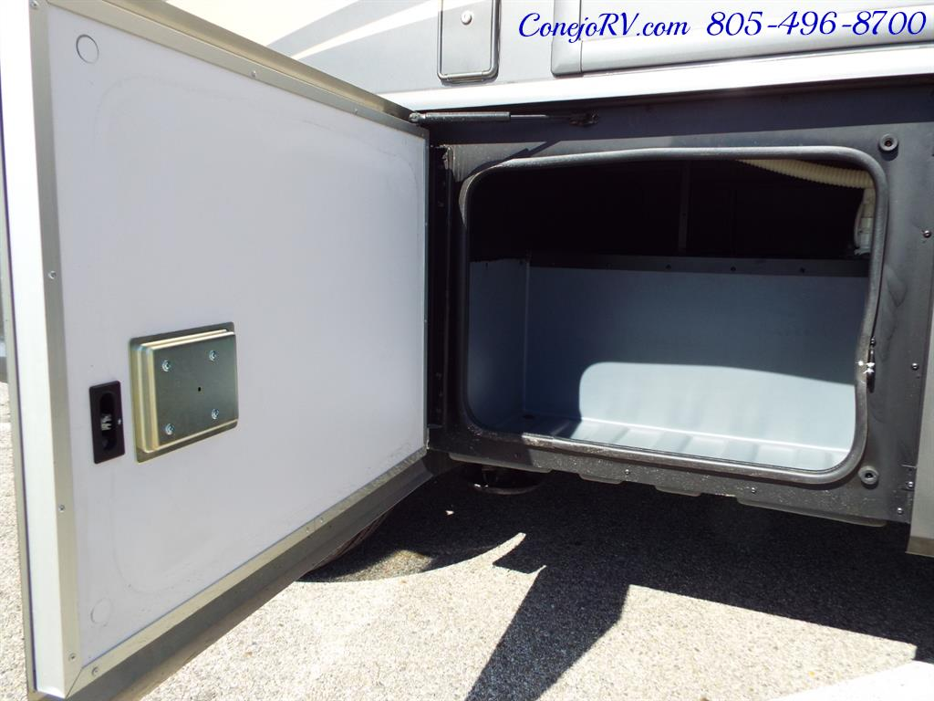 2017 Fleetwood Bounder LX 35P Quad Slide-Out Big Chassis King Bed - Photo 48 - Thousand Oaks, CA 91360
