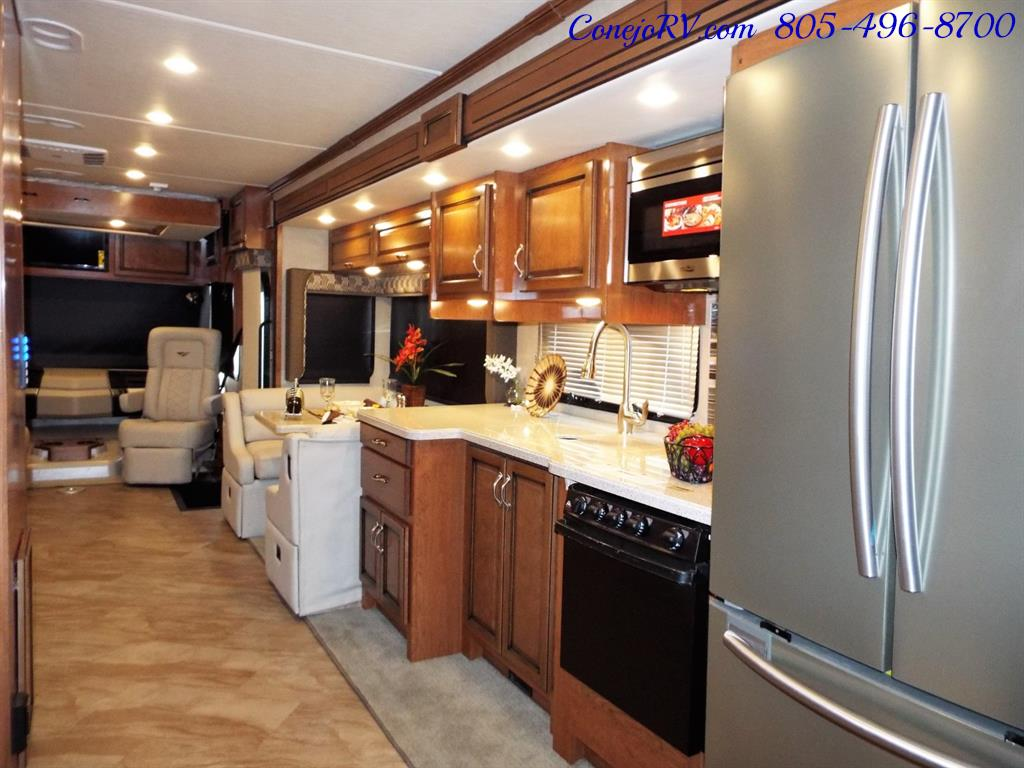 2017 Fleetwood Bounder LX 35P Quad Slide-Out Big Chassis King Bed - Photo 30 - Thousand Oaks, CA 91360