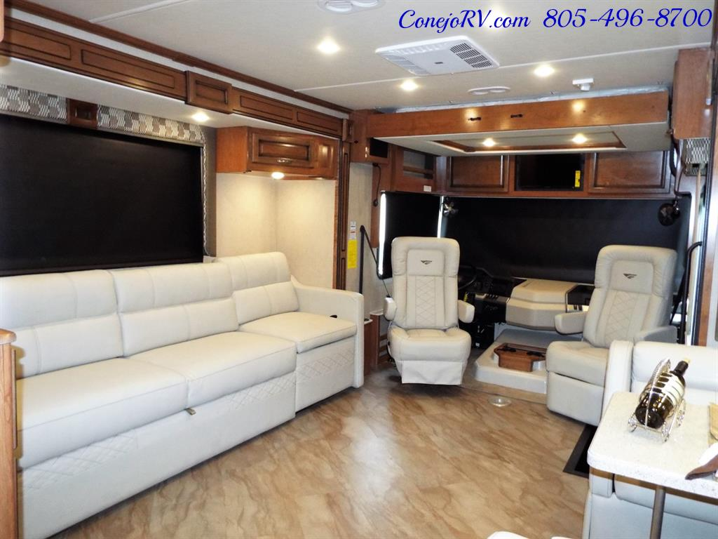 2017 Fleetwood Bounder LX 35P Quad Slide-Out Big Chassis King Bed - Photo 31 - Thousand Oaks, CA 91360
