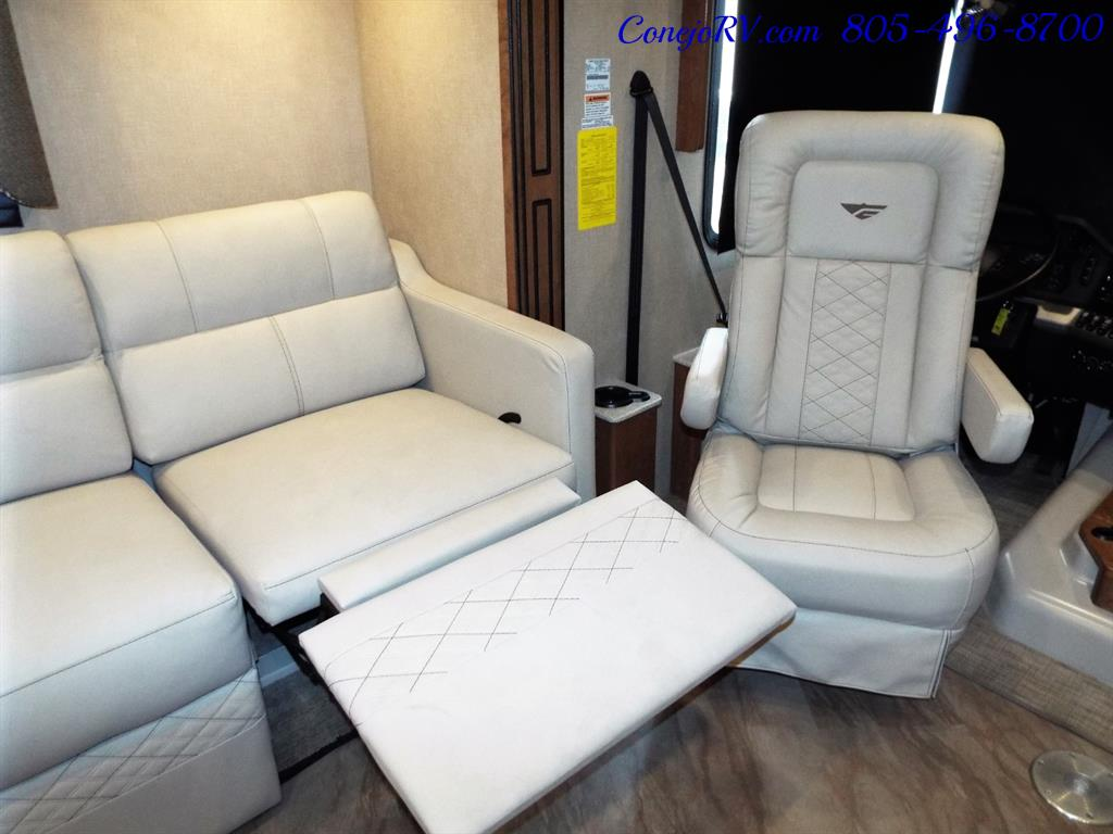 2017 Fleetwood Bounder LX 35P Quad Slide-Out Big Chassis King Bed - Photo 14 - Thousand Oaks, CA 91360