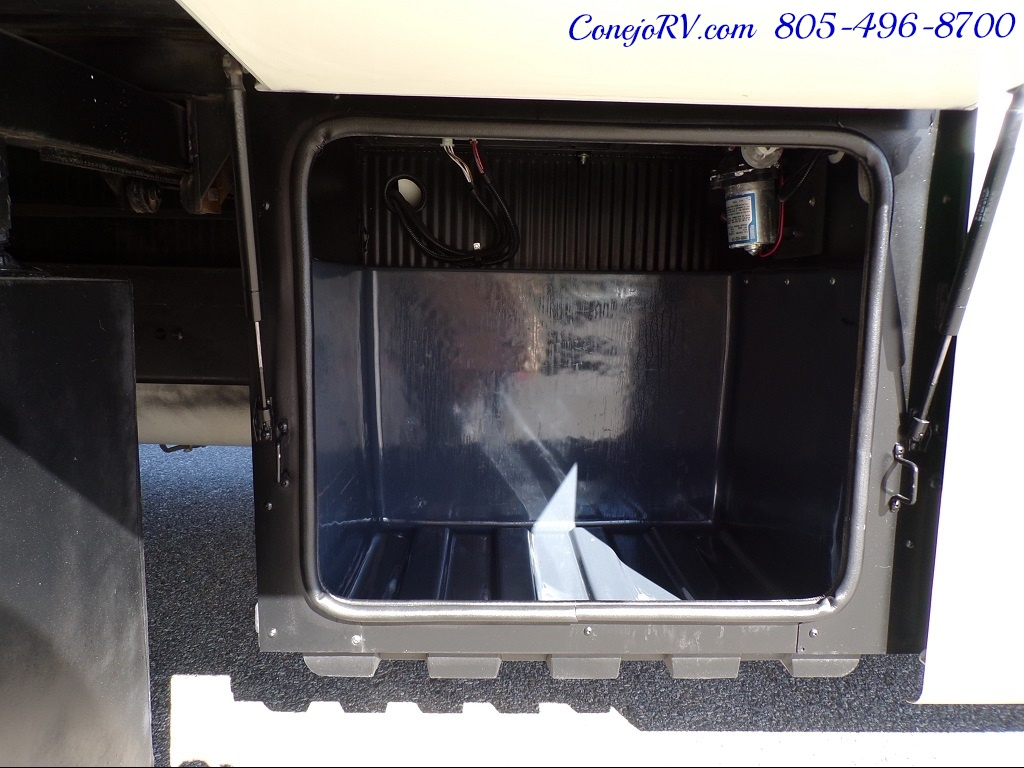 2004 Fleetwood Expedition 39Z Slide Out Turbo Diesel 26K Miles - Photo 39 - Thousand Oaks, CA 91360