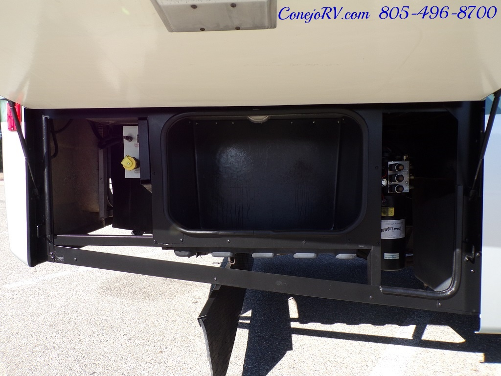 2004 Fleetwood Expedition 39Z Slide Out Turbo Diesel 26K Miles - Photo 30 - Thousand Oaks, CA 91360