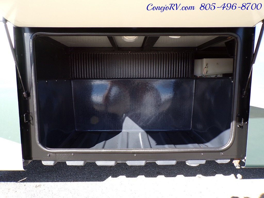 2004 Fleetwood Expedition 39Z Slide Out Turbo Diesel 26K Miles - Photo 34 - Thousand Oaks, CA 91360